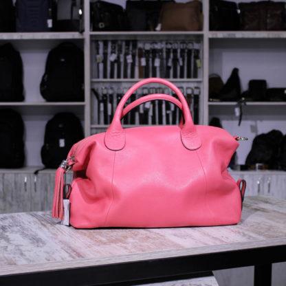 розовая сумка из кожи