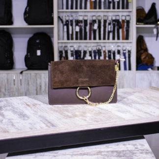 коричневая замшевая сумка