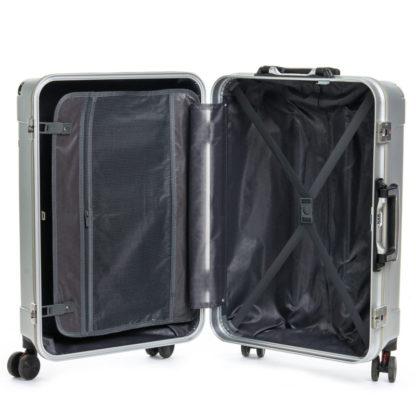 чемодан внутри фото
